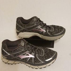 Brooks GTS 17 women's shoes size 10 B